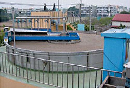 DAF Dissolved air flotation clarifier